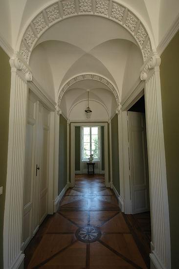 3. Entrance Hall .jpg