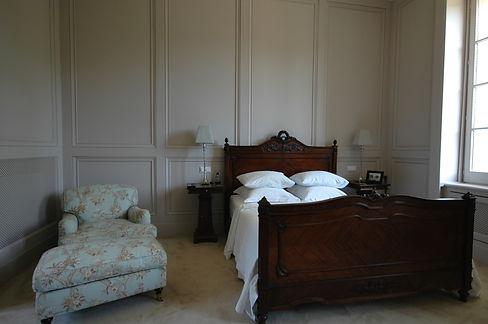 18. Master Bedroom .jpg