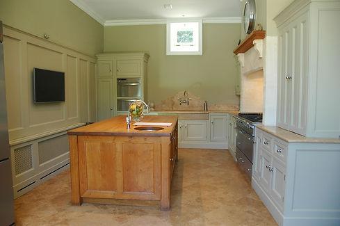 10. Kitchen 1 .jpg