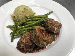 Pork Medallions in Lingonberry Sauce