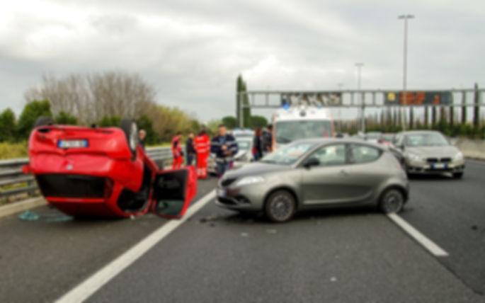 car-accident-2165210_1920 (1).jpg