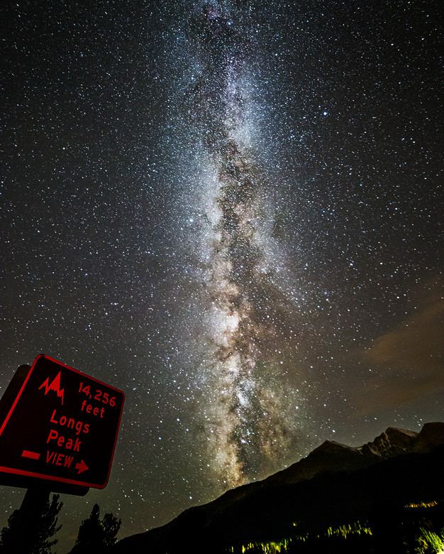 Longs peak Milky way by:Sean Turner