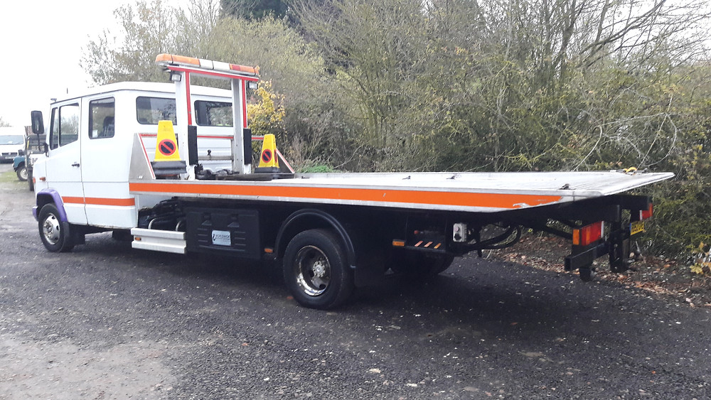Mercedes Vario recovery truck for sale