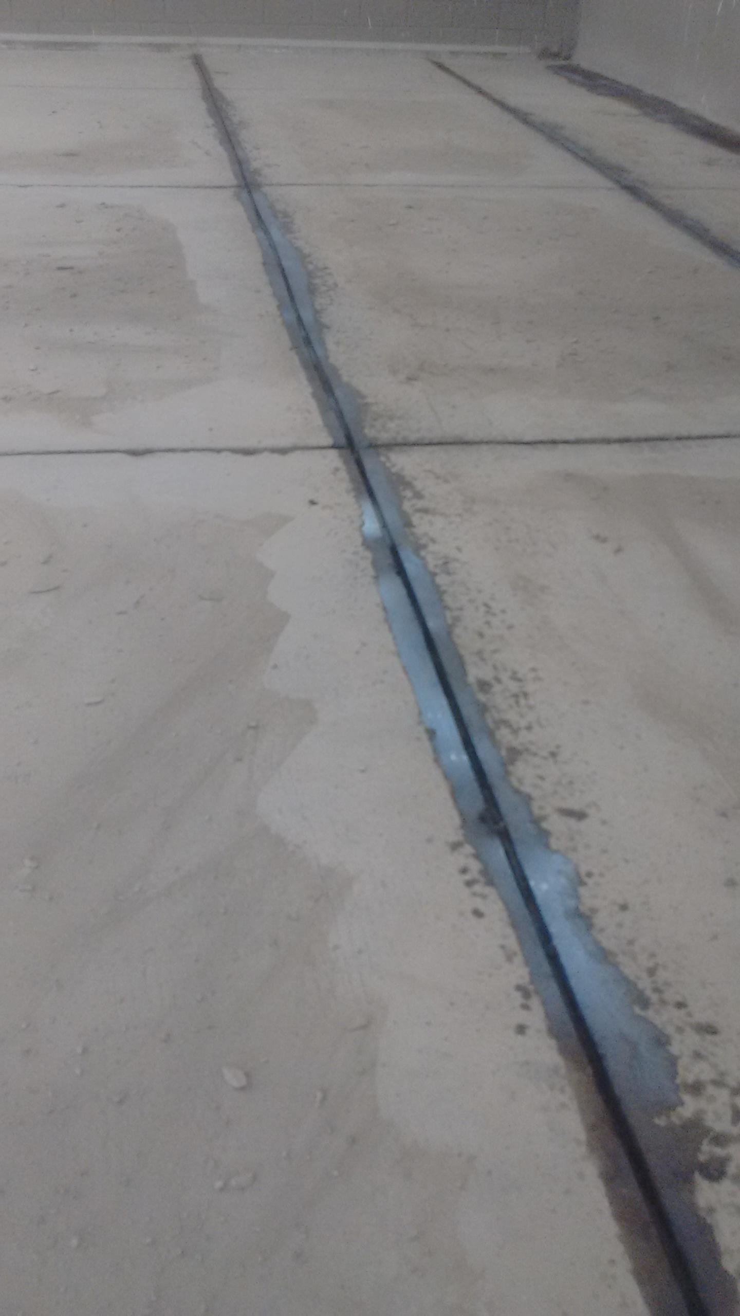 Rev Autonivelante uretano5mm - deposito de agua  - Santuario 07dez16 (9)