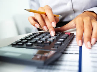 Empregada que caiu na malha fina por declaração incorreta de rendimentos deve ser indenizada.