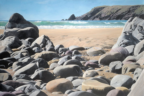 FEATHER ON THE ROCKS, Marloes Sands, Pembrokeshire - Ref LEP39