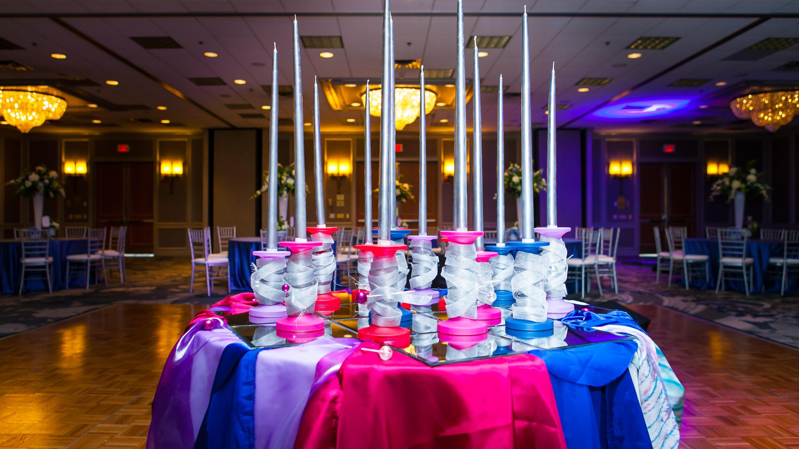 Primavera Candle table