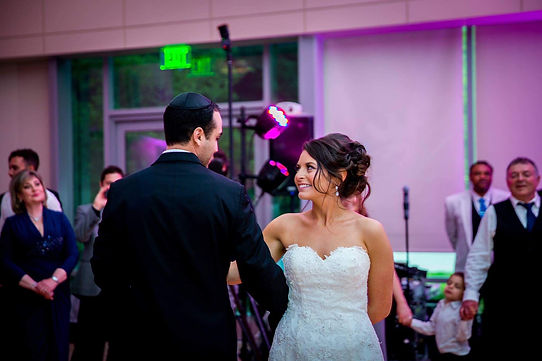 How To Dance At A Wedding.Nine Questions To The Wedding Dance Teacher