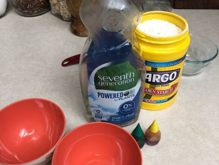 Easy Washable Window Paint from Kitchen Ingredients