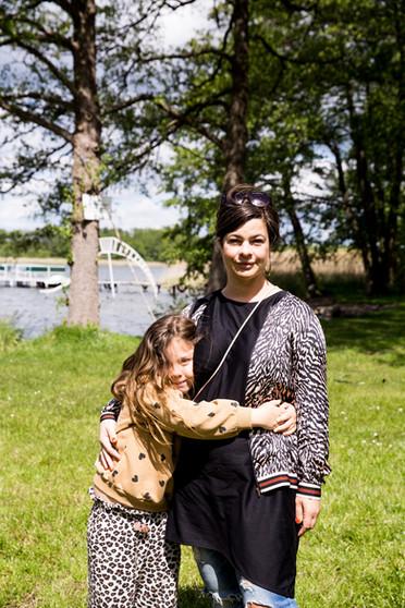 Julia von Tresckow mit ihrer Tochter Bélen
