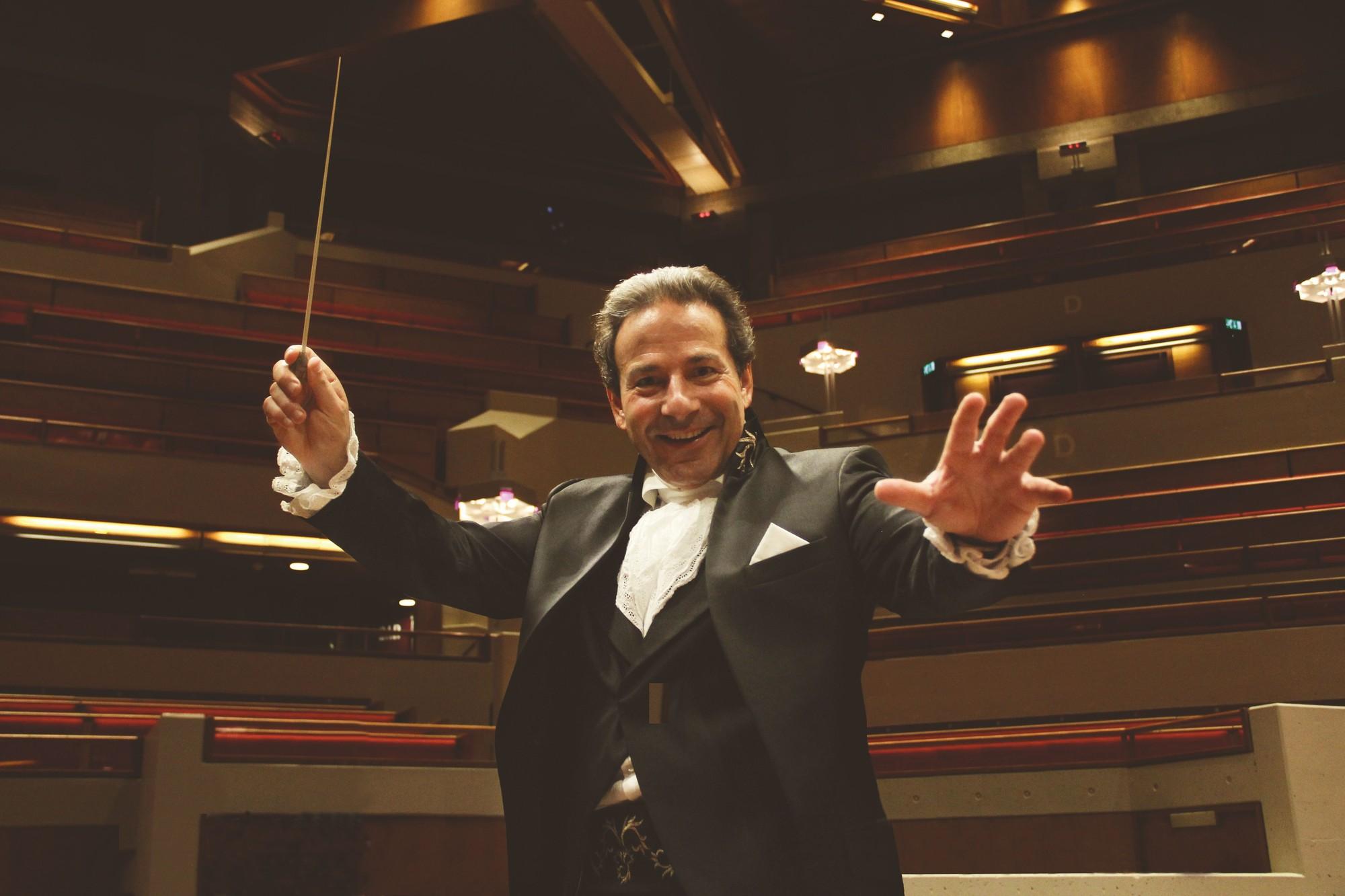 Maestro Jules Onthult