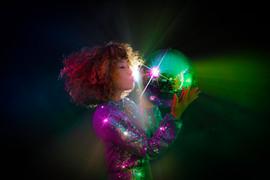 SARA DISCO DJ宣材写真