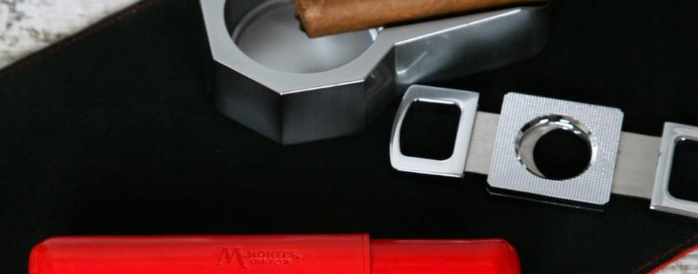 montes-ubrique-zigarrenhülle-rot.jpeg