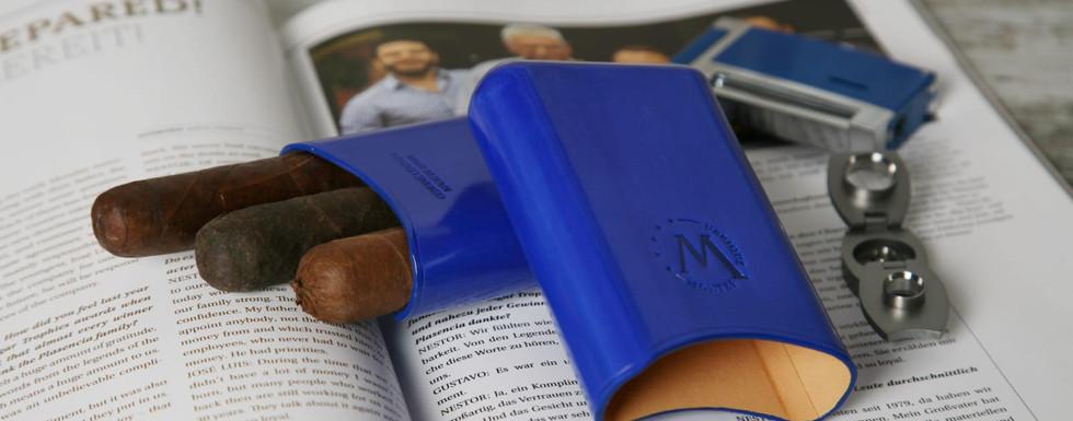 montes-ubrique-zigarrenetui-blau.jpeg