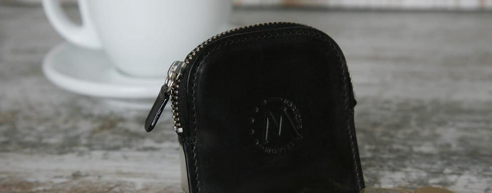 montes-ubrique-portemonnaie-schwarz.jpeg