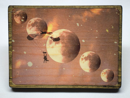 """5 Moons"""