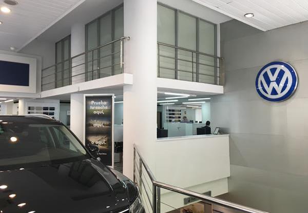 Concesionario de coches (6).jpg