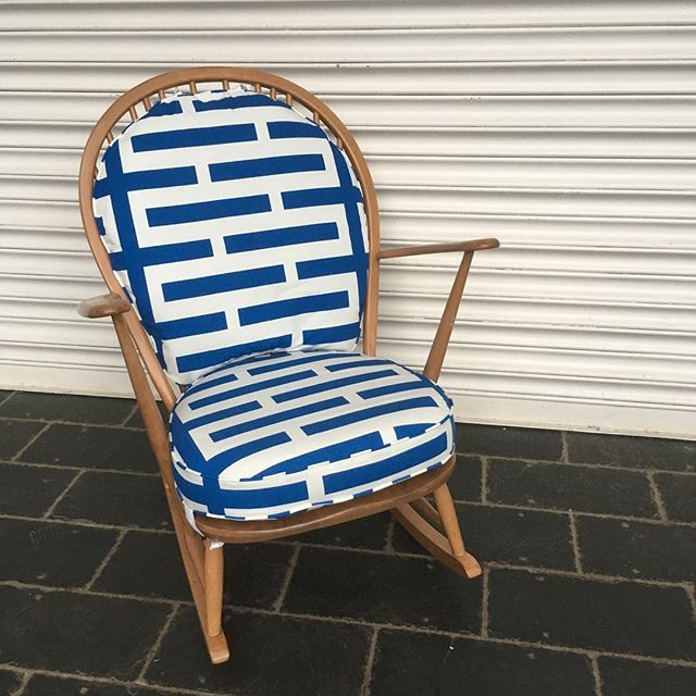 Ercol rocking chair heading home to await a new arrival.jpg Fabric is _ikeauk