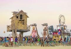 Baba Yaga House and Carros de Foc puppets