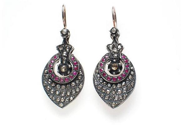 Kolczyki z diamentami i rubinami