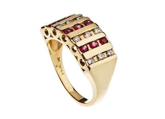 Pierścionek z rubinami i brylantami