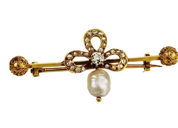 Broszka z diamentami i barokową perłą