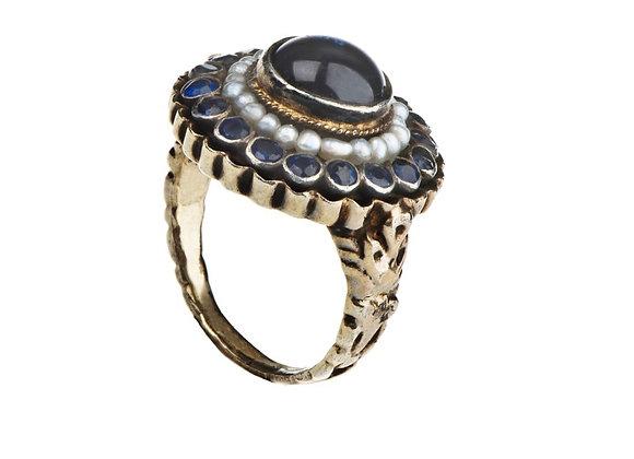 Pierścionek z szafirami i perłami