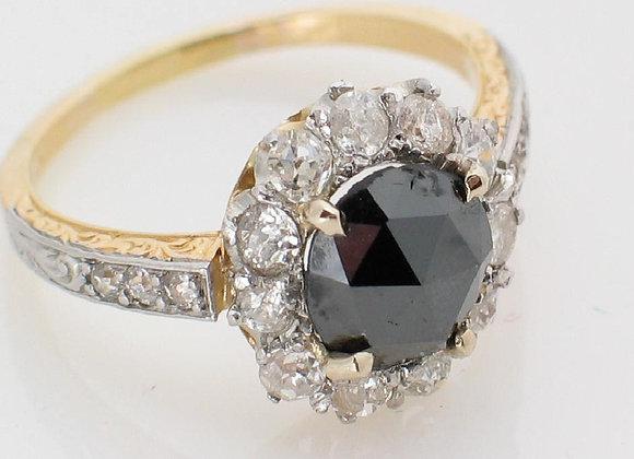 Pierścionek z czarnym diamentem i brylantami