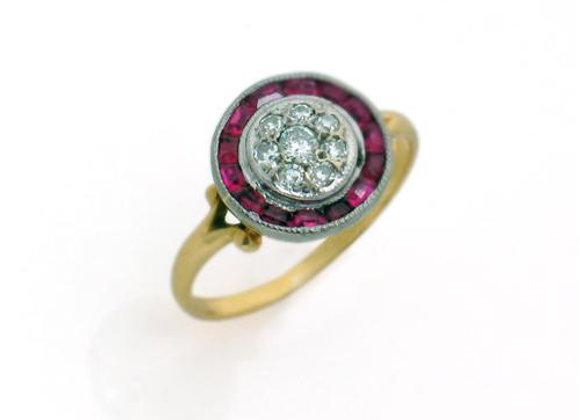 Pierścionek z brylantami i rubinami