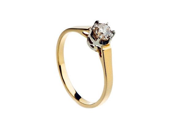 Klasyczny pierścionek z brylantem