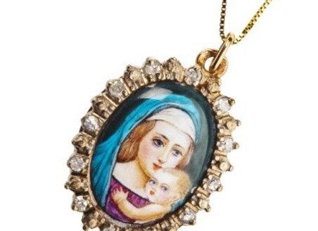 Naszyjnik-miniatura Madonna z dzieciątkiem z diamentami