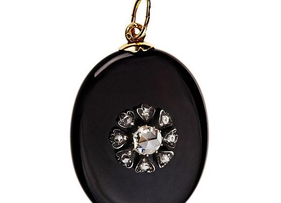 Elegancki wisior z diamentami na onyksie