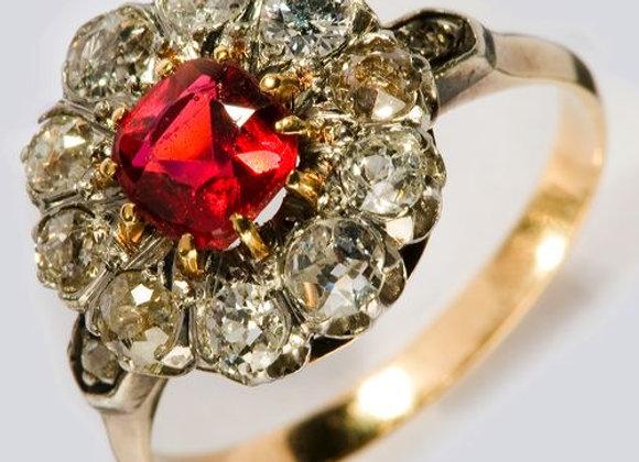 Pierścionek z rubinem i diamentami