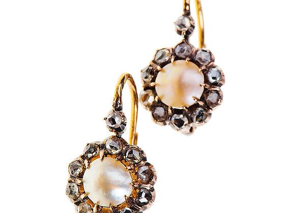Kolczyki z diamentami i naturalną perłą