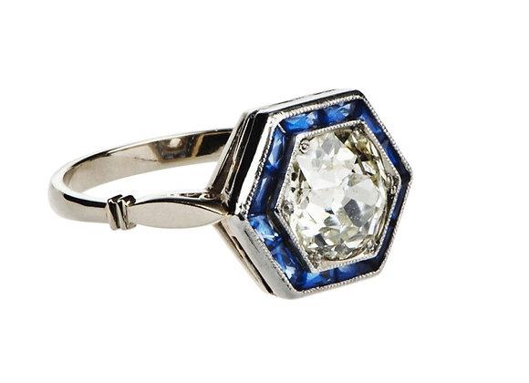 Pierścionek z diamentem i szafirami