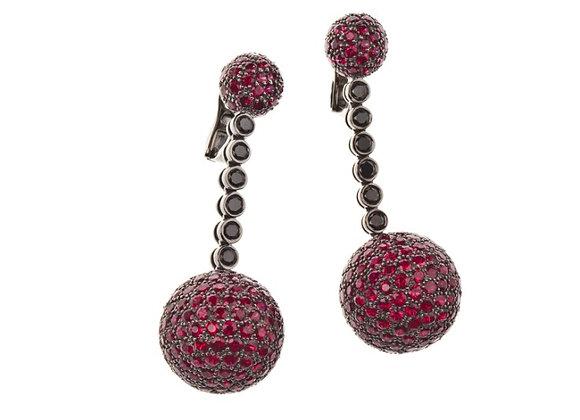 Kolczyki z rubinami i czarnymi diamentami
