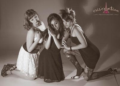 girls, ragazze, b/w, prayer, shadow, preghiera,