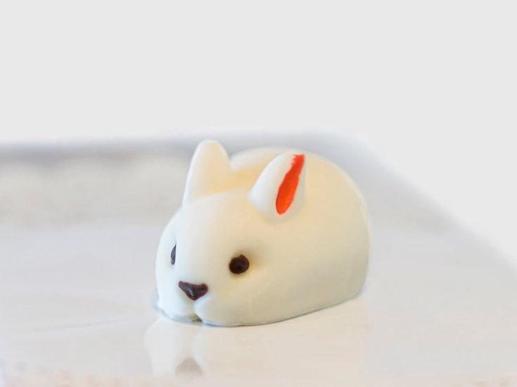 Bunny Mousse (Vanilla Milky Chocolate Flavor)