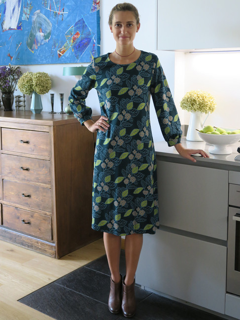 20_MONIKA_VARGA_Dress_Flower_Jersey_Geometric_Blouse_Shirt_Art_Prints_Pattern_Model.jpg
