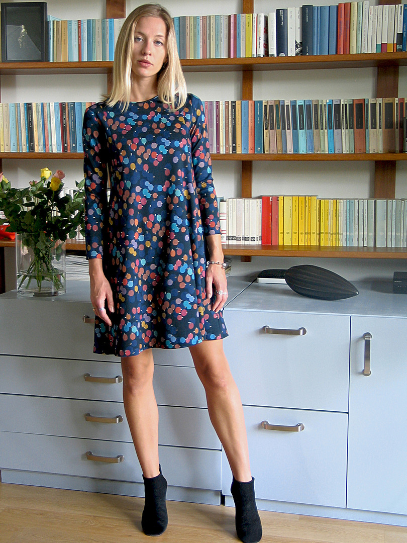 8-Monika-Varga-Jersey-Dress-Printed-Blue