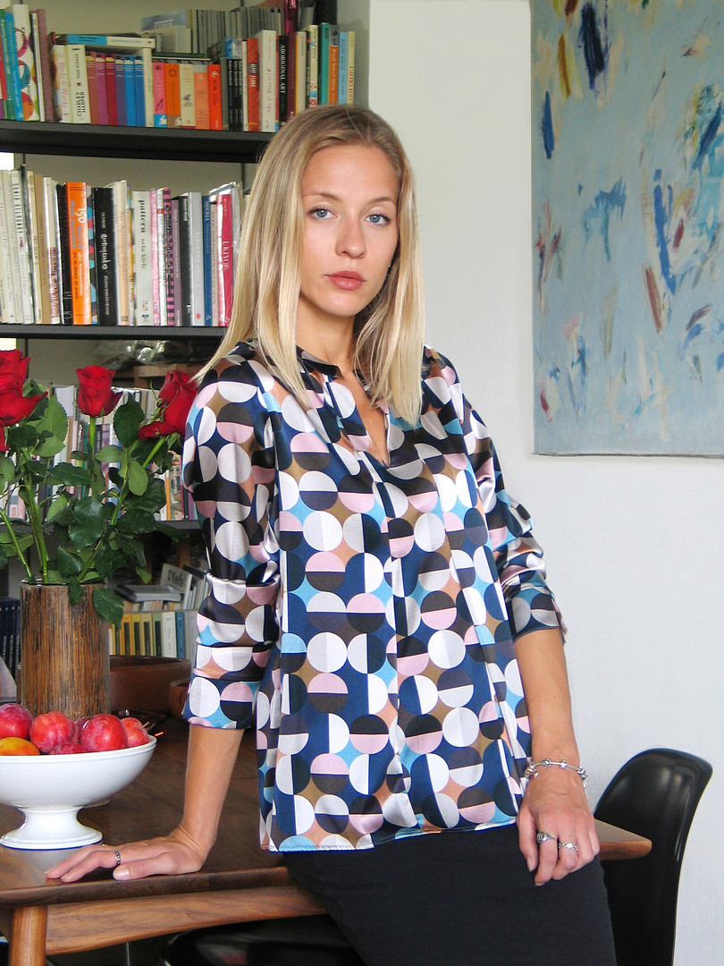 9-Monika-Varga-Silk-Top-Printed-shirt-fa