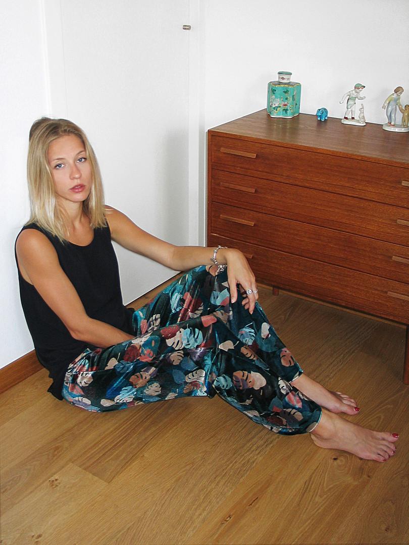 18-Monika-Varga-Trousers-Velvet-Printed-