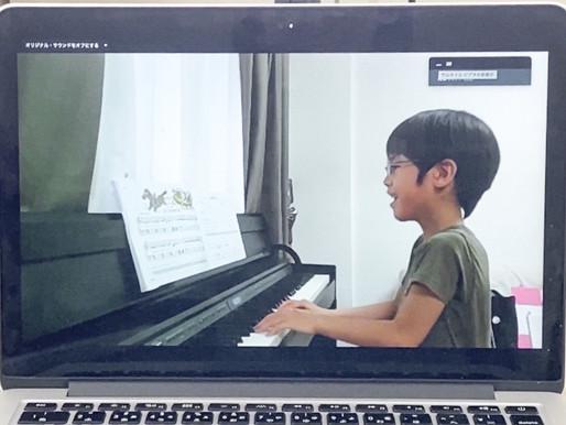楽譜を読む力と音楽を聴く耳をバランス良く育てます。