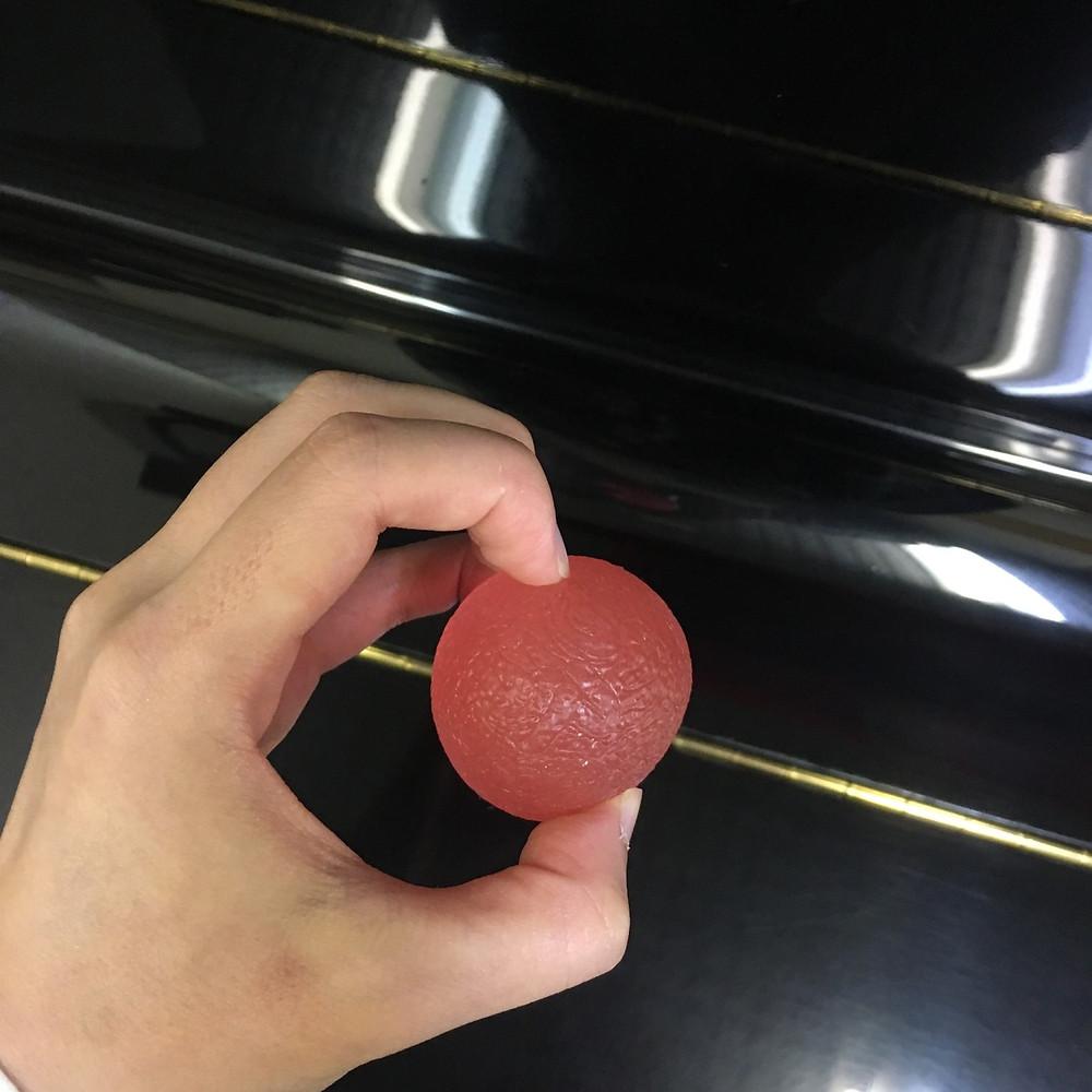 卵の手の形を作る