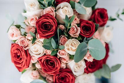 beautiful-wedding-bouquet-roses.jpg