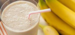 banana-smoothie-107-700x325