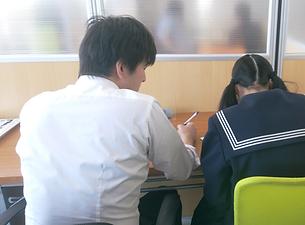 関口先生個別授業風景2.png