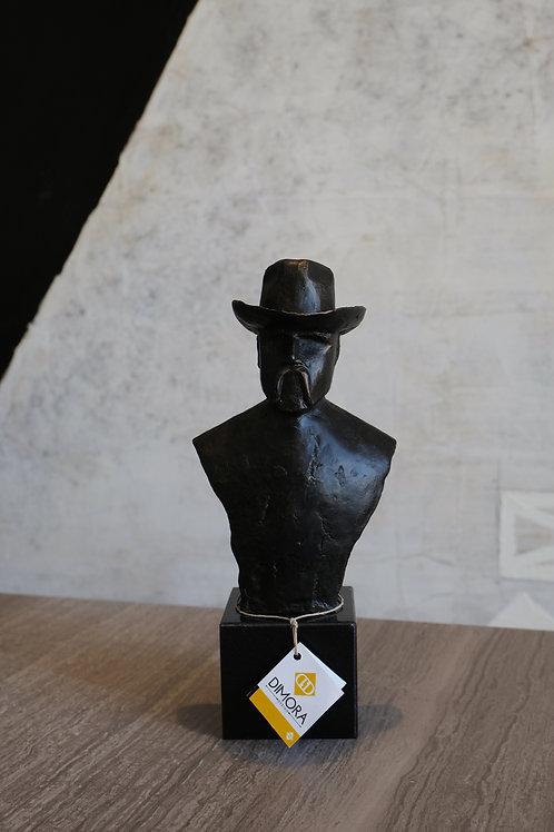 Hat sculpture cowboy