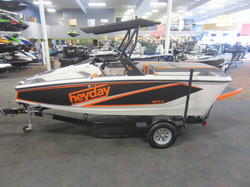 A perfect boat to rent- Heyday WT-1