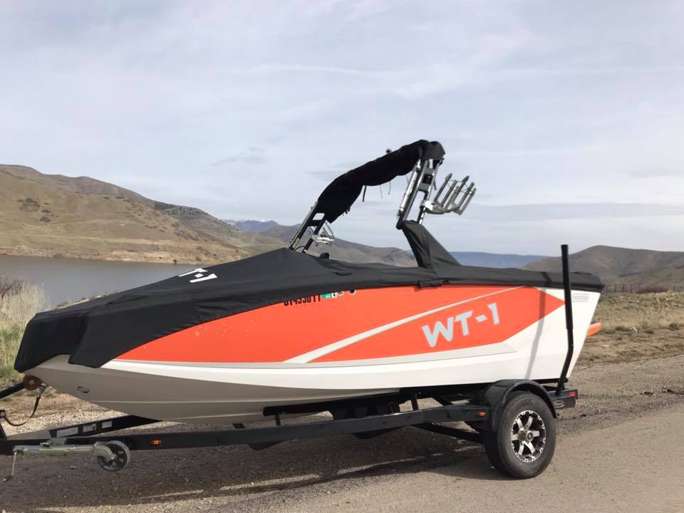 Look good on the road with our boat rentals
